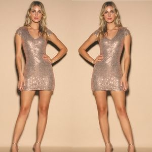 LULU'S - Kasson Rose Gold Bodycon Dress